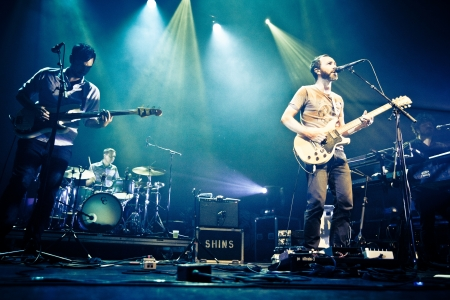 indie: The Shins are an American indie rock band from Albuquerque, New Mexico, formed in 1996. The band consists of James Mercer (vocals, guitar), Joe Plummer (drums), Mark Watrous (guitar), Yuuki Matthews (bass), Nick Teeling (glockenspiel, harmonica) and Richa