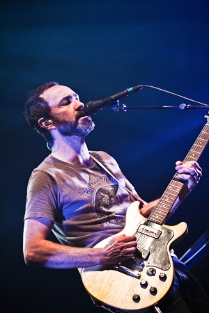 vocals: The Shins are an American indie rock band from Albuquerque, New Mexico, formed in 1996. The band consists of James Mercer (vocals, guitar), Joe Plummer (drums), Mark Watrous (guitar), Yuuki Matthews (bass), Nick Teeling (glockenspiel, harmonica) and Richa