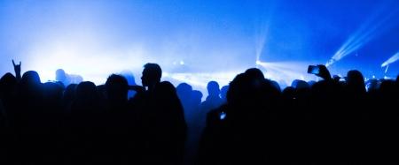 concierto rock: Gran Concierto de m�sica en vivo y con la muchedumbre y las luces