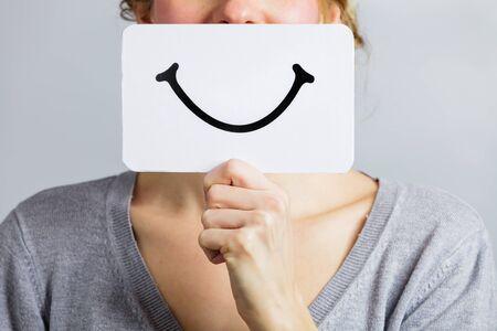 Glücklich Nahaufnahme von einer Frau mit einem Smiling Mood Foren