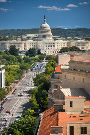 Birds eye view of the United States Capitol and the Senate Building, Washington DC USA Banque d'images