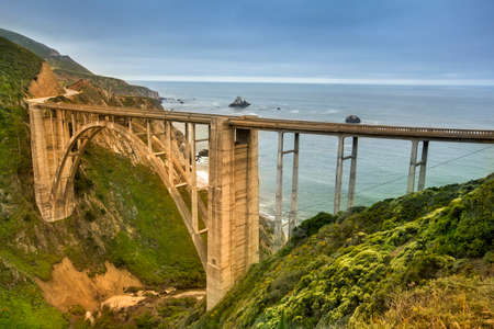 Bixby Bridge on highway 1 Big Sur coastline of the Pacific Ocean California, USA Reklamní fotografie