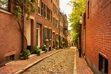 Historical Acorn street in the Beacon Hill neighbourhood of Boston, Massachusetts