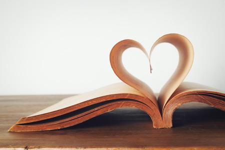 libros: El libro del amor, vintage Foto de archivo