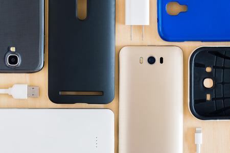 zelle: Sammlung Handy, Smartphone und Zubehör für den Hintergrund Lizenzfreie Bilder