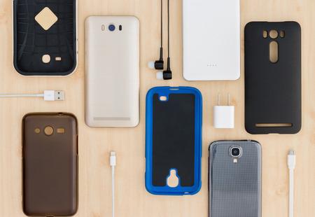 estuche: colección del teléfono celular, smartphone y accesorios para el fondo