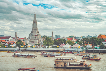 Wat Arun Rajwararam, bangkok thailand. cityscape photo Editöryel