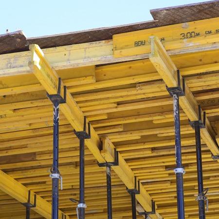 Coffrage pour plafond en béton.