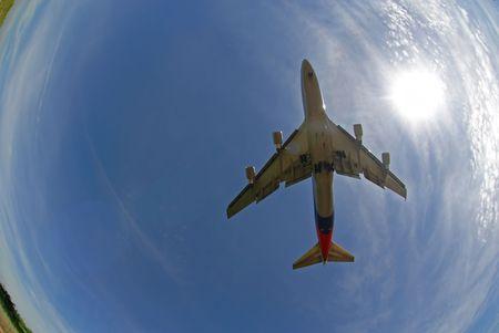 747 400: Un fisheye vista di un Boeing 747-400 serie in modalit� di destinazione.  Archivio Fotografico