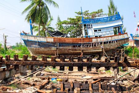 fischerei: alte Fischerei-Werft in Thasala Nakhon Si Thammarat