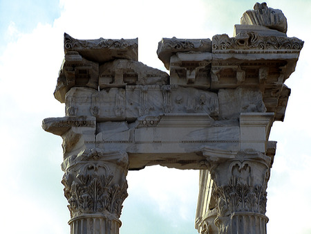 necking: Detail of shaft, capital and entablature of the Temple of Trajan in the city of Bergama, Turkey.