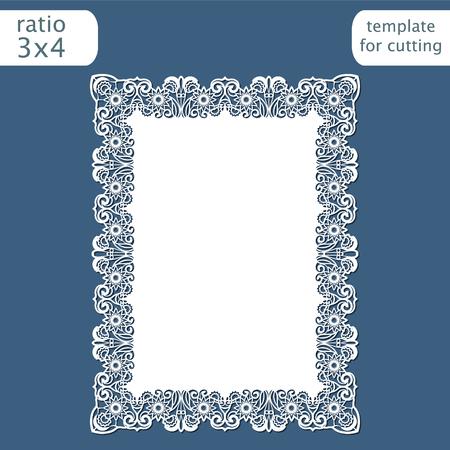 Modèle de carte d'invitation de mariage découpé au laser avec bordure ajourée. Découpez la carte en papier avec motif dentelle. Modèle de carte de voeux pour traceur de découpe. Vecteur.