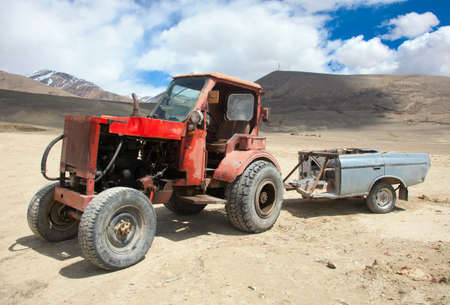 agricultural application tractor: An  homemade agricultural wheel tractor