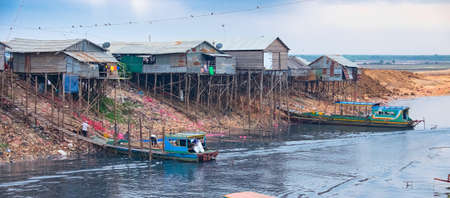 tonle sap: Siem reap, CAMBODIA - January 72015: Unsanitary living conditions on lake Tonle Sap, CAMBODIA