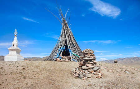 shamanism: Buddhism and Shamanism in the Mongolian desert Stock Photo