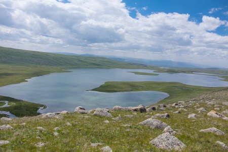 Mountain Lake in periglacial moraine Standard-Bild