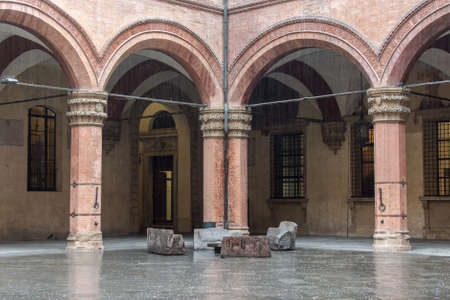 lambrusco: Medieval architecture in the historic center of Bologna, Italy