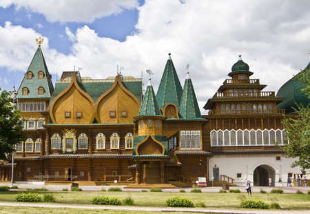 MOSCOW - JUNE 04: detail of wooden palace of Russian kings in mansion Kolomenskoye, 16 century, reconstruction, the only one in the country example of non-religious wooden architecture of middle ages, considered one of the best buildings of Europe of 16th Stock Photo - 12779363