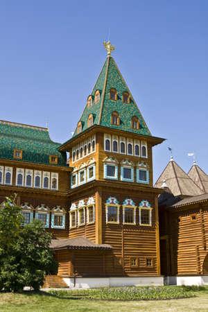 palacio ruso: Mosc�, Rusia - Junio ??04, 2010: palacio de madera de los reyes rusos en la mansi�n Kolomenskoye, 16 siglo, la reconstrucci�n, detalle.