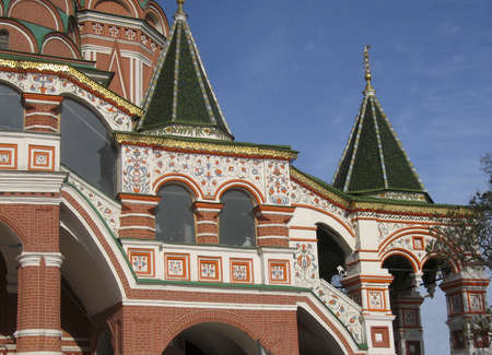 iuml: St. Basils (Pokrovskiy) cathedral on Red square, details of entrance.
