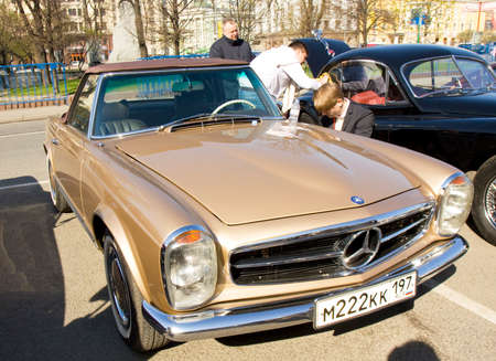benz: MOSCOW - APRIL 27, 2014: retro car mercedes benz on rally of classical cars, organized by Russian Club of Classical Autocars on Theatre square.