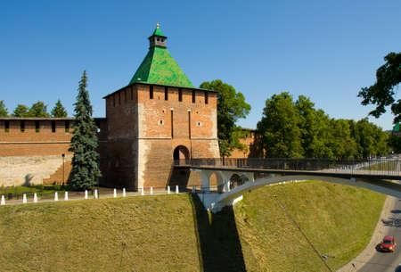 edad media: San Nicolás Torre de edad media fortaleza del Kremlin en la ciudad Nizhny Novgorod Rusia.