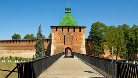 edad media: San Nicolás Torre de edad media fortaleza del Kremlin en la ciudad Nizhny Nóvgorod en Moscú. Editorial
