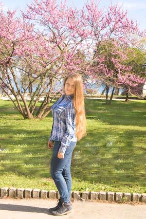 Mädchen 16 braune haare