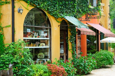italian shops.