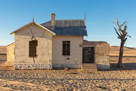 An abandoned building in the Namib desert near Garub
