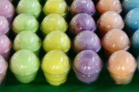 cotton candy: Cotton Candy colorido en clara taza pl�stica