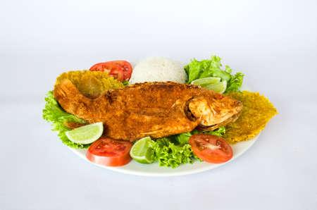 pescado frito: Mojarra frita