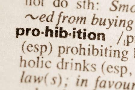 interdiction: D�finition du mot dans le dictionnaire interdiction Banque d'images