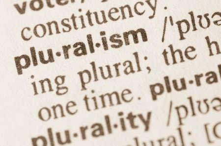 definición: Definición de la palabra en el diccionario de pruralism Foto de archivo