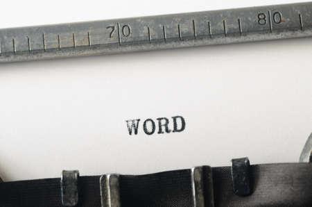 comunicaci�n escrita: palabra palabra escrita en la vieja m�quina de escribir
