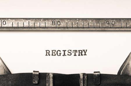 comunicación escrita: Word registry typed on an old typewriter Foto de archivo