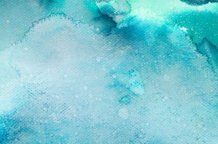 azul turqueza: acuarela azul pintada sobre un papel de textura de fondo