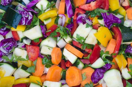 picada: Primer plano de verduras picadas coloridos