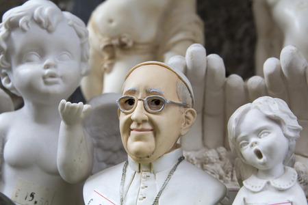 Souvenir di Papa Francesco e angeli