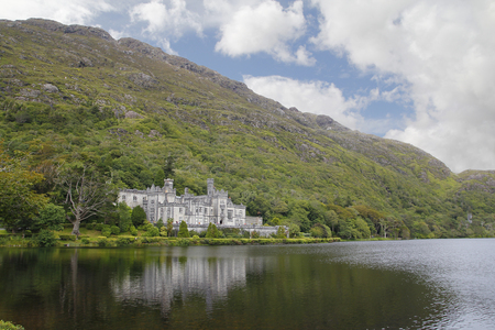 connemara: Kylemore abbey , a benedictine monastery founded in 1920 on the grounds of Kylemore Castle, in Connemara, County Galway, Ireland.