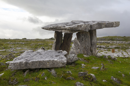burren: Poulnabrone dolmen in the Burren, County Clare, Ireland. Dating back to the Neolithic period Stock Photo