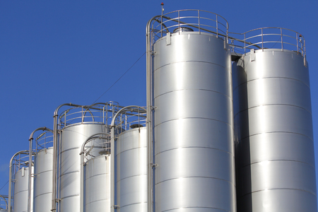 silos: Silos in the chemical industry