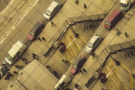 semaforo peatonal: reflexiones de la vida urbana, los peatones y los coches