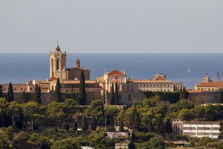 Cathédrale de Tarragone contre la mer Méditerranée bleue, Catalogne, Espagne Banque d'images