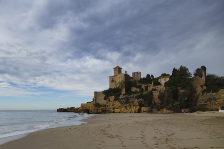 Tamarit Castle next to Mediterranean sea in Tarragona, Catalunya, Spain Banque d'images
