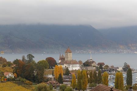 Spiez castle on the shore of Lake Thun in the Bernese Oberland region of the Swiss canton of Bern, Switzerland Éditoriale