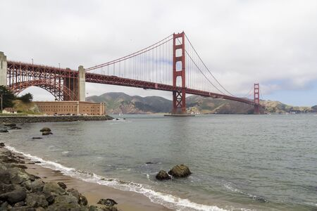 San Francisco beach with the Golden Gate bridge in the background, United States Stockfoto