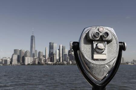 Binoculars with Lower Manhattan skyline in the city of New York Stock fotó