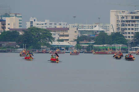 '5 december': BANGKOK, THAILAND - NOVEMBER 6: Thai Royal barge travel down Chao Phaya river to celebrate King of Thailand 85th birthday (December 5, 2012) in Bangkok, Thailand on November 6, 2012