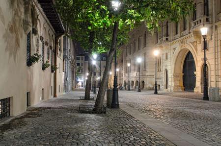 bucuresti: Night street scene in Bucharest old city.